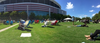 Relaxation with sun and live music